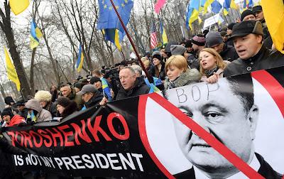 مظاهرات بأوكرانيا تطالب بعزل الرئيس بوروشنكو