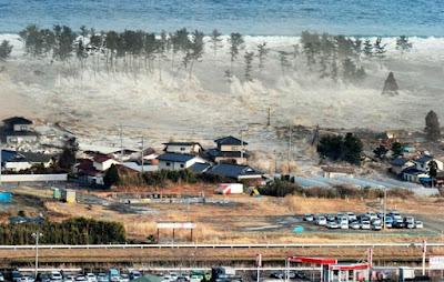 Come nascono gli Tsunami: terremoti e vulcani