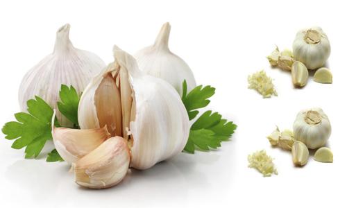 فوائد الثوم و اضراره , للشعر والسرطان والقولون 13 فائدة , فوائد الثوم على الريق