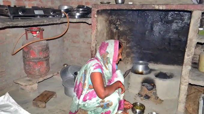 गरीबों से मज़ाक है रसोई गैस योजना...खुशदीप