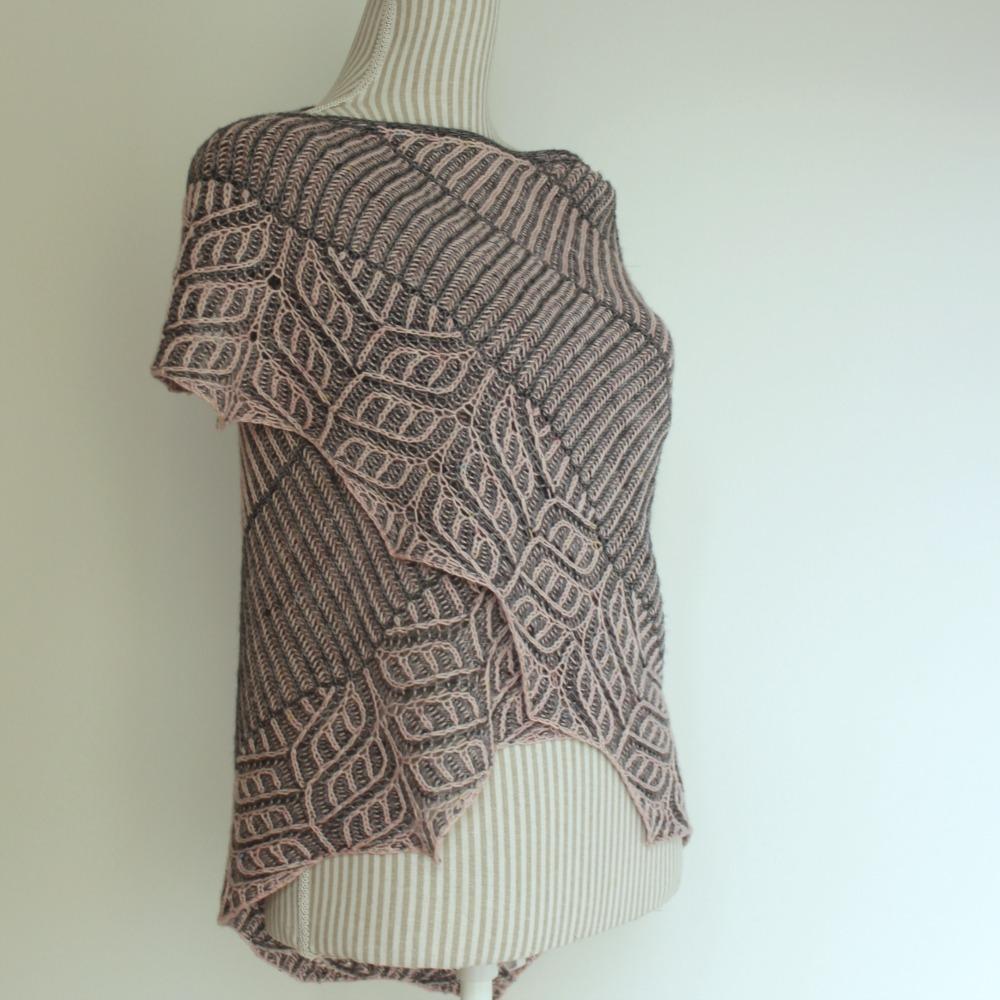 Birkenwasser knits: Briochangle shawl
