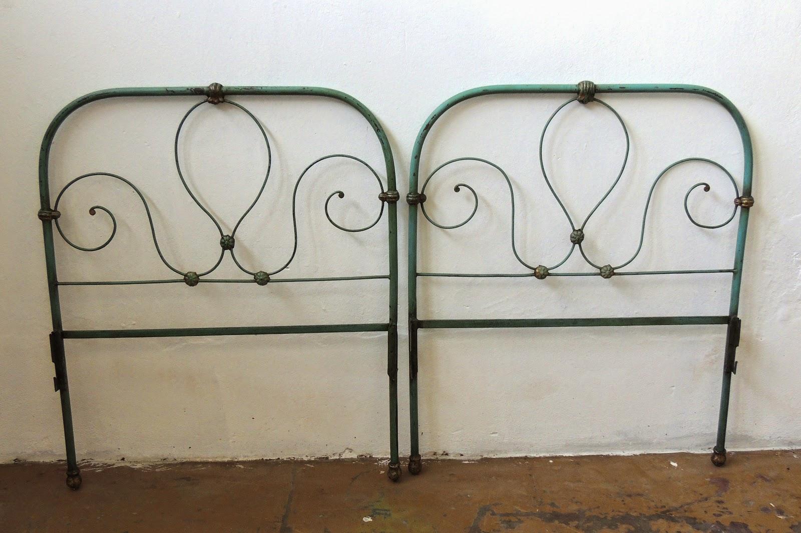 Antiguas cabeceras de cama de 1 plaza en hierro patinada - Camas antiguas de hierro ...
