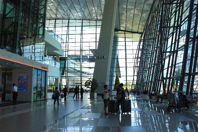 desain bandara terminal 3 soetta