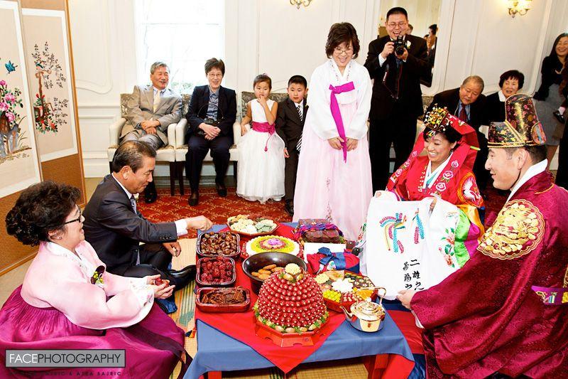 Kỳ lạ nghề kiếm tiền từ đám cưới ở Hàn Quốc