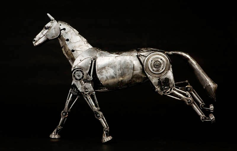 24-Horse-Andrew-Chase-Recycle-Fully-Articulated-Mechanical-Animal-www-designstack-co