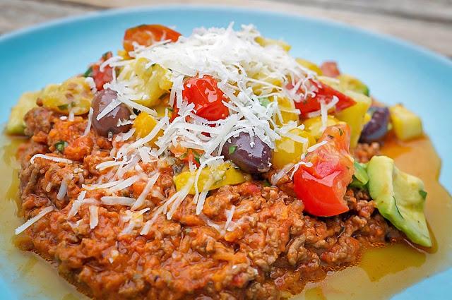 köttfärssås och grönsaker