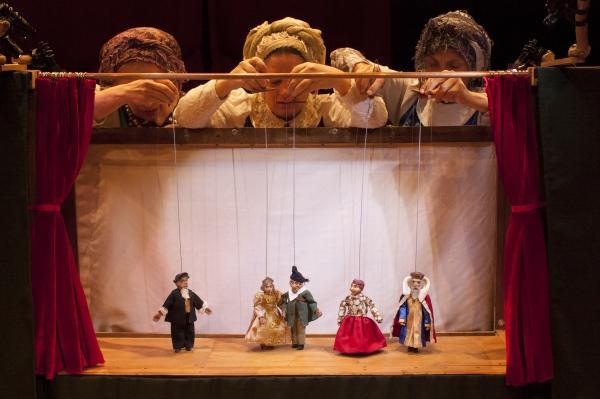 Feriado de Tiradentes terá apresentação de teatro de bonecos no CEU Vila Nova em Registro-SP