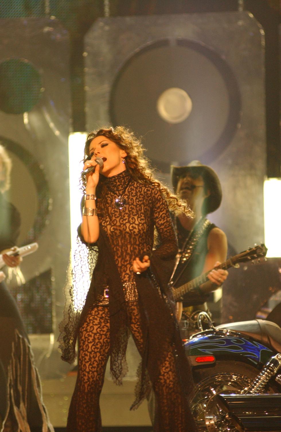 Live On Stage Shania Twain Cma 2002