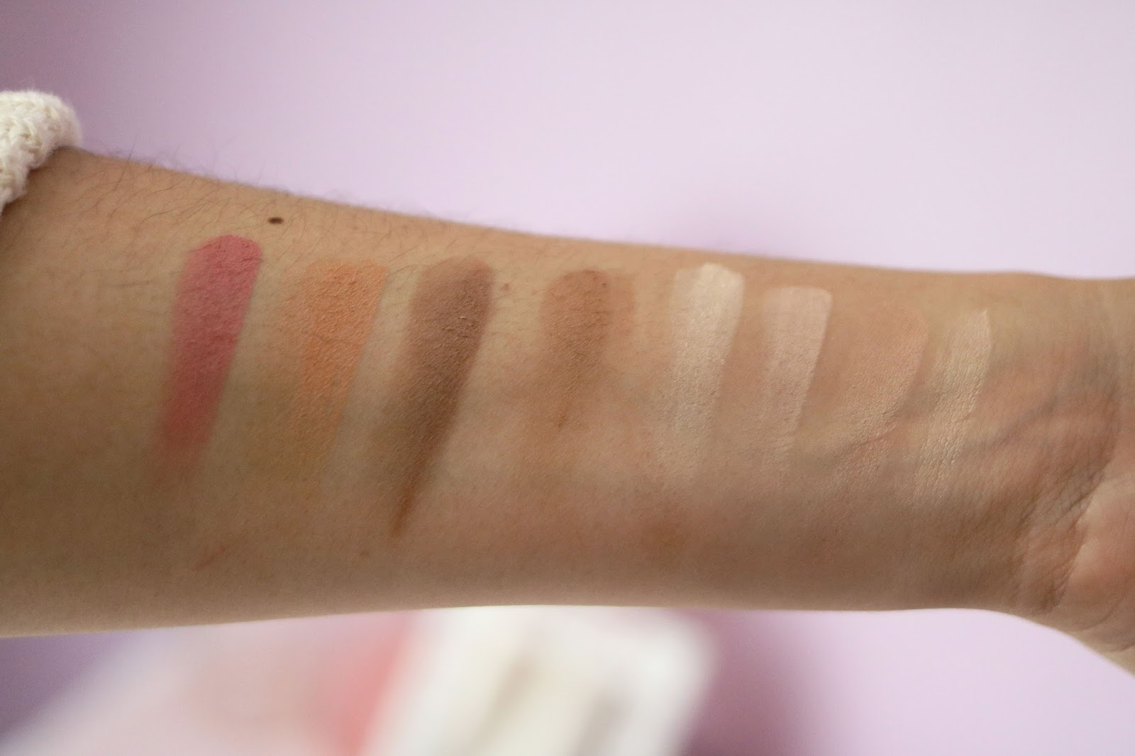 The Balm , Higlight 'N Con Tour , Photobalm , revue , avis , swatch , blog beauté , blog beauté paris , rosemademoiselle , rose mademoiselle , Mary-Lou , Palette Contouring,