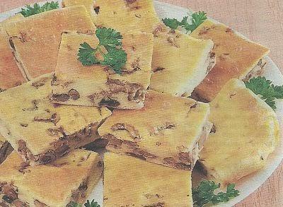 Продукты и приготовление бисквита с лесными грибами