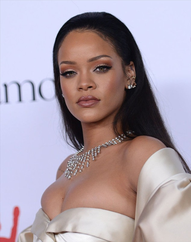 Rihanna has radiated on the red carpet of the Diamond Ball