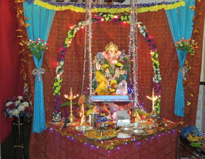 Ganesh festival 2017 mumbai decoration ideas at home for Background decoration for ganpati