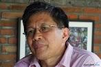Komentar Makjleb Rocky Gerung Soal Aksi Foto Satu Jari Luhut dan SMI di Bali