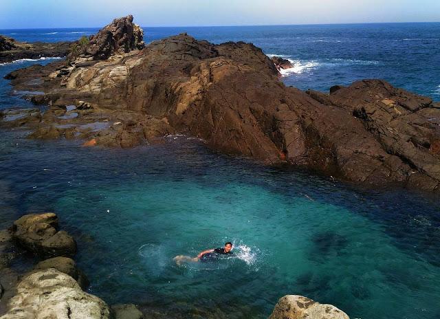 Pantai Wediombo, Salah Satu Pantai Terlengkap dan Indah di Jogja