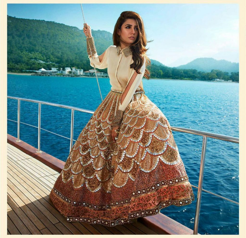 Mahira Khan hot Beach Photo Shoot for 'Divani Pakistan'