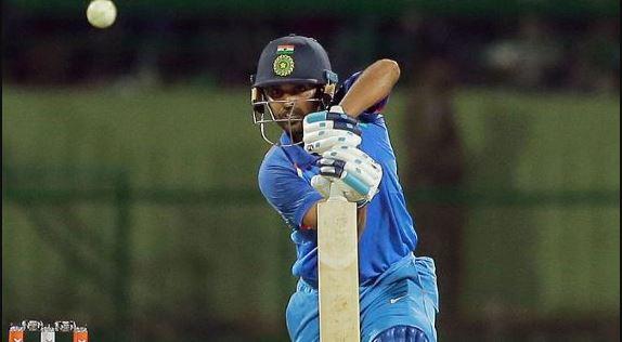 धोनी - भुवनेश्वर रहे हीरो - भारत ने श्रीलंका को 3 विकेट से हराया