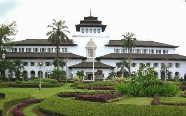 Gedung Sate Tempat Wisata di Bandung