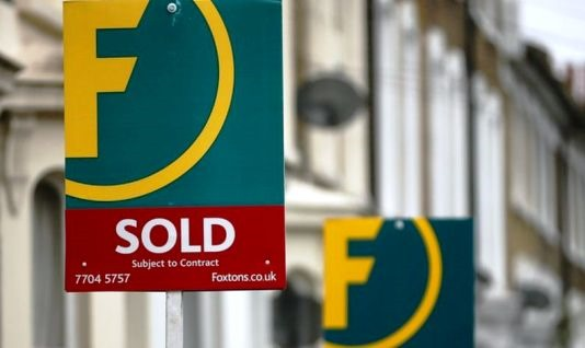 Foxtons Warns London Housing Market in 'Prolonged Downturn'