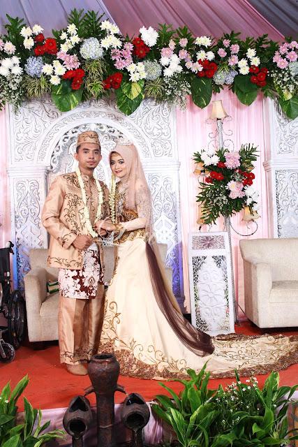 Rias pengantin muslim hijab syar'i kebaya modifikasi nasional