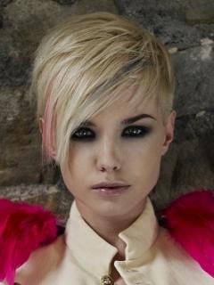 Peinados De Moda Pelo Corto Colorido Para Mujeres Con Rostro Redondo Tendencias 2013