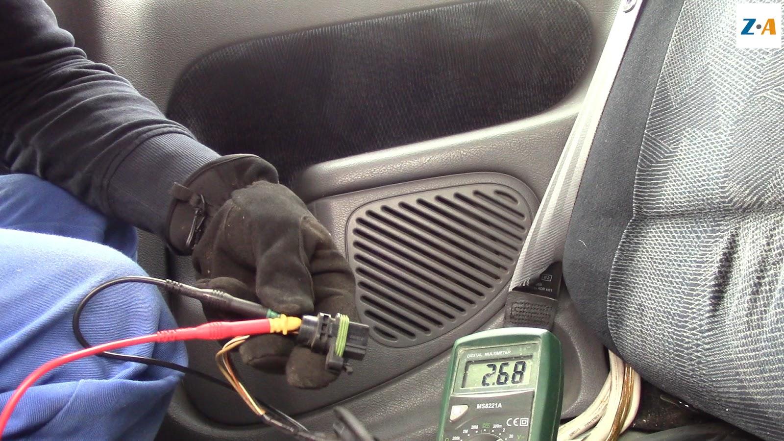 La pompe à carburant reçoit une alimentation de 3 Volts.
