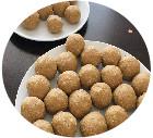 https://my-kitchen-flavours.blogspot.com/2018/12/nutri-balls.html