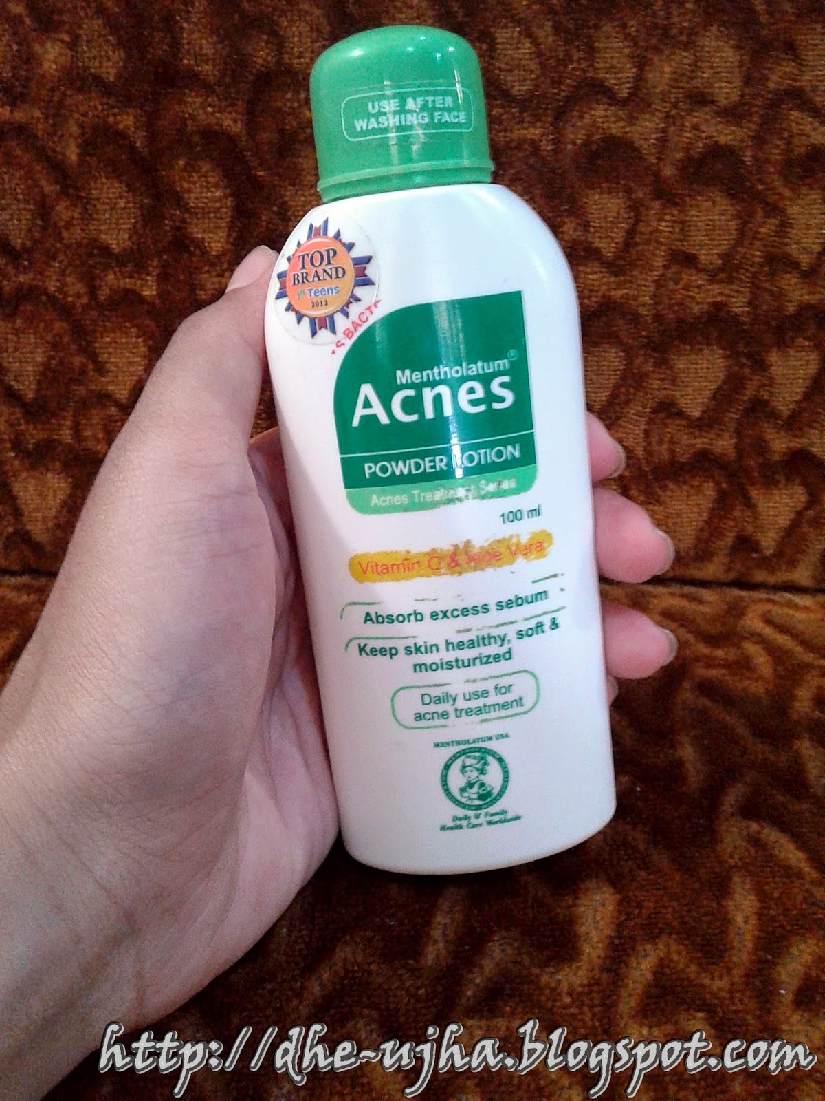 tampak depan acnes powder lotion