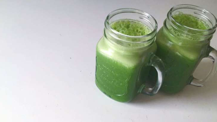 Green juices-7 foods to eat between hours that are not as healthy as you thought