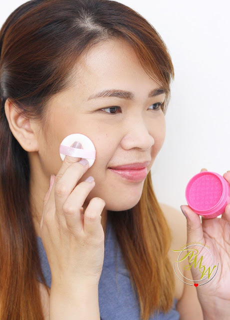a photo of Cathy Doll C'est Bon Bon Cushion Blusher in Sugar Pink