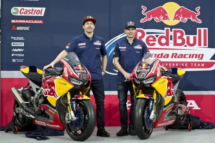 Fans MotoGP dan WSBK berduka, Nicky Hayden yang sempat kritis karna ditabrak mobil akhirnya meninggal dunia #RIPNickyHayden