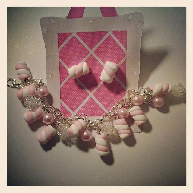 Braccialetto e orecchini marshmallow in Fimo