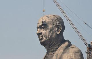 Estátua mais alta do mundo revolta agricultores na Índia