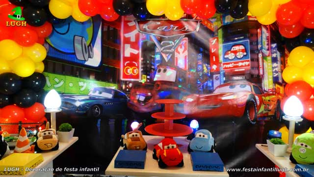 Mesa decorada provençal Carros (Disney)