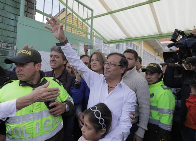 Gustavo Petro, el polémico líder de izquierda que promete refrescar la política colombiana