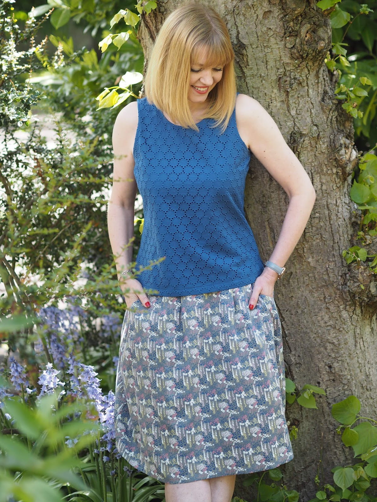 What-Lizzy-Loves- blue-broderie-shell-top-floral-skirt-pockets