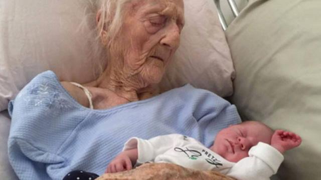 aceasta femeie a nascut la varsta de o suta unu ani