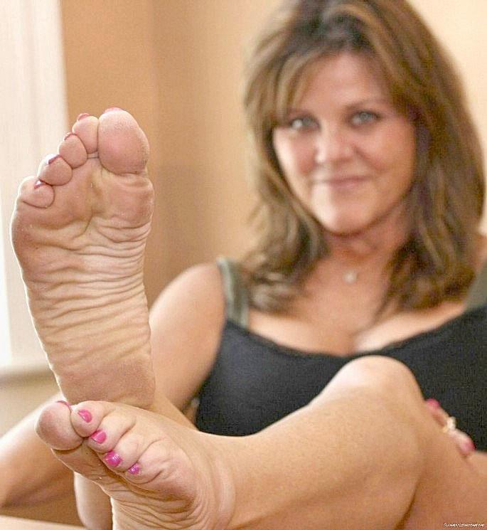 Granny Footjob