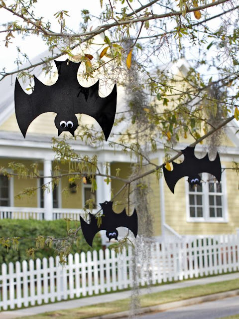 DIY Hanging Foam Bats for Halloween! Waterproof!