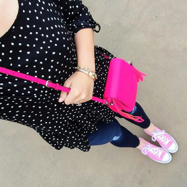 pink converse, polka dot top