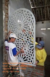 pemasangan krawangan masjid Jombang