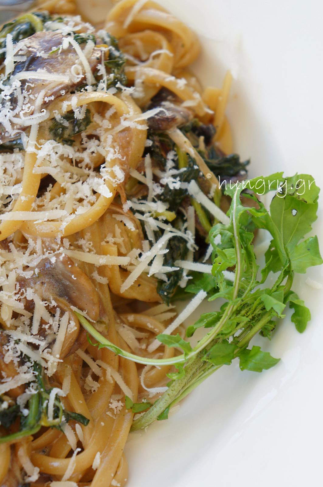 Creamy Mushroom & Spinach Pasta with Caramelized Onions