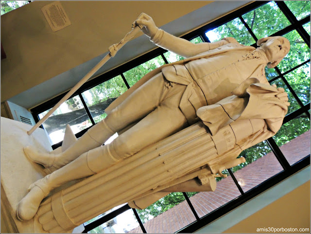 Escultura de George Washington