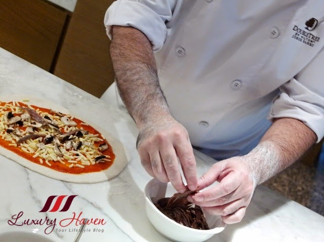 doubletree hilton jb tosca pizza making