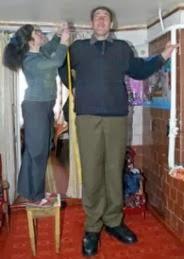 Leonid Stadnyk dari Ukraina sebagai manusia tertinggi di dunia yang pernah ada nomor 5