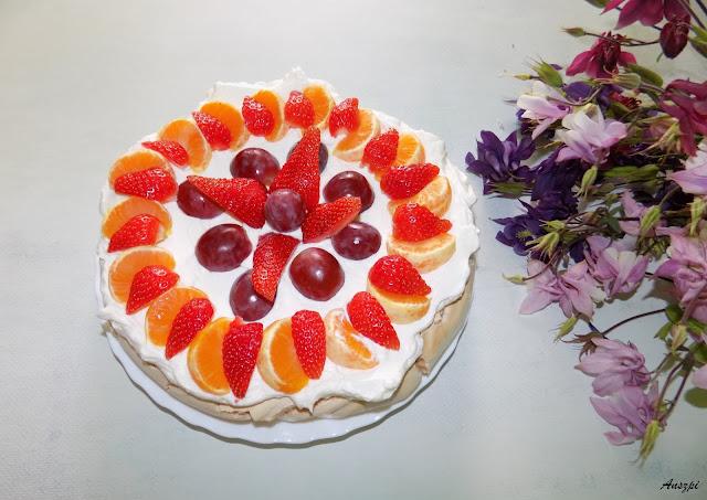 Beza z owocami