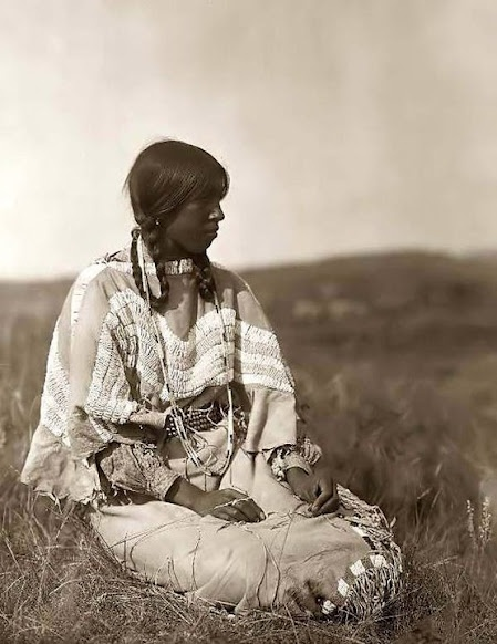 blackfoot indian blackfeet indians native american woman tribe history piegan tribes sioux 1910 nation culture americans blood curtis edward historic