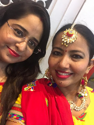 Shopping, Style and Us: India's Best Shopping and Self-Help Blog- Priyanka Ahuja with Jiya Mishra Saklani, a part of Team SSU