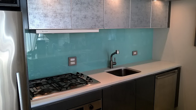 Glass Kitchen Backsplash: Painted or Printed?