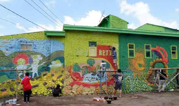 Kompetisi Mural Buka Kampung Hijau Tempenosaurus Kota Batu