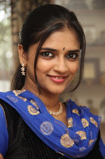 Tamil Actress Vasundra Latest Picture Gallery and Interview 0005.jpg